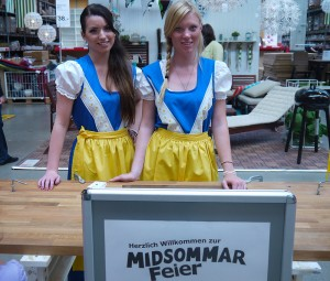 Im Einsatz für die IKEA-Midsommarfeier