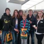 Unsere Interviewerinnen zusammen mit Gästen der Oberschwabenschau