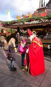 Unser Nikolaus auf dem Ulmer Weihnachtsmarkt 2015
