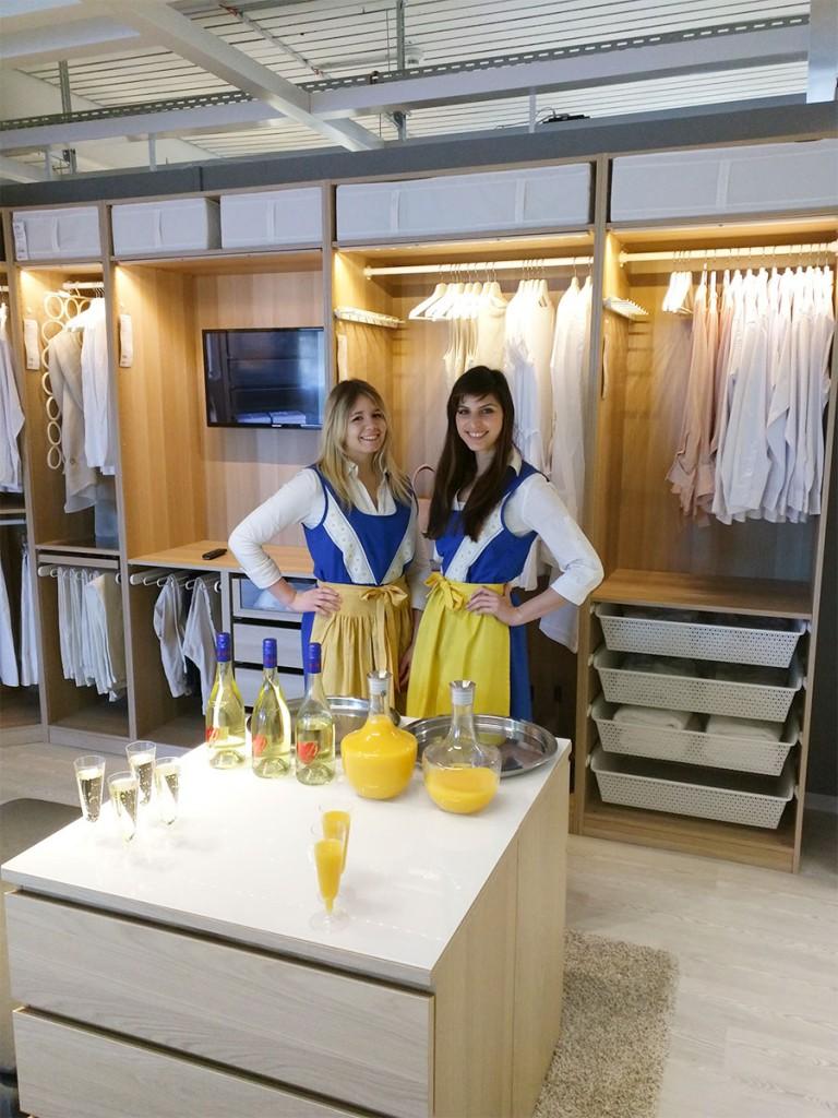 IKEA-Schwedenmädels bei einer Sektverkostung in Ravensburg.