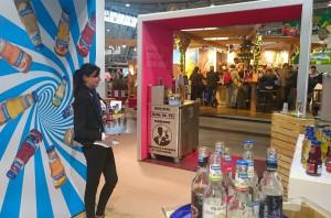 Hostess am Stand des Unternehmens Burkhardt Fruchtsäfte auf der Intergastra 2016