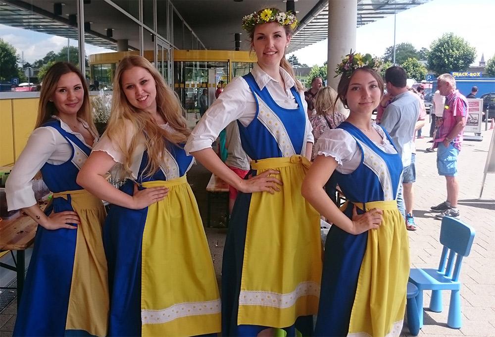 Unsere Schwedenmädels beim IKEA Midsommarfest 2016 in Ulm