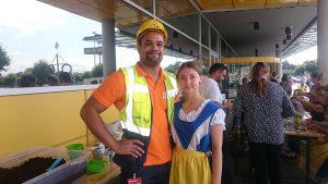 Stauengel und Schwedenmädel beim IKEA Midsommar-Fest 2016