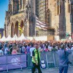 Das gut besuchte Donau3FM-Bühnenprogramm am Ulmer Münster zum Schwörwochenende 2016