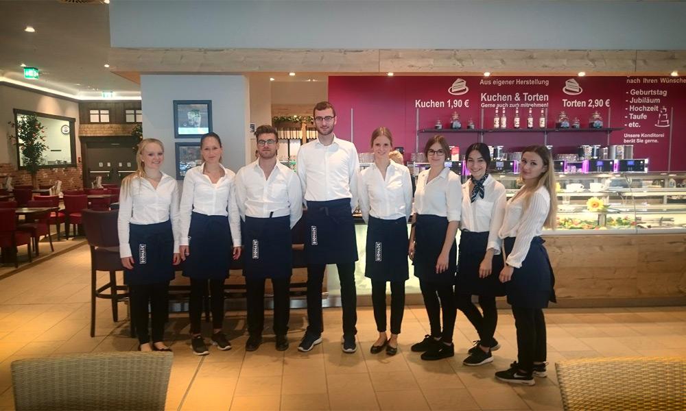 Unser Service-Team für Möbel Mahler zur Neueröffnung des Einrichtungshauses in Neu-Ulm