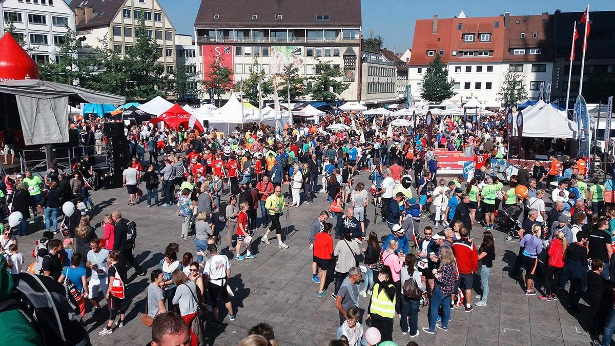 Der Ulmer Münsterplatz beim Einstein Marathon 2016