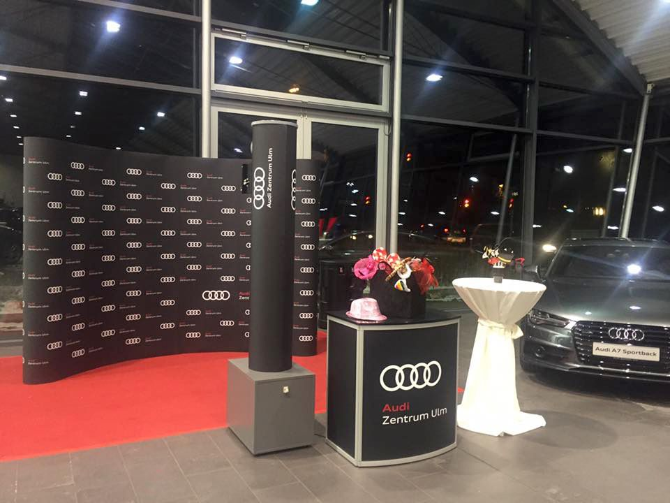 wild emotion events gmbh fotobox audi zentrum ulm 2017 3 web. Black Bedroom Furniture Sets. Home Design Ideas