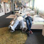 Osterhase im Einrichtungshaus Inhofer in Senden